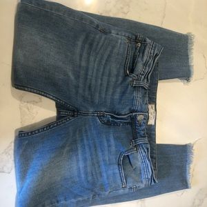 Free People size 27 cropped frayed jeans